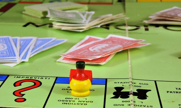 Speel Monopoly met echt geld